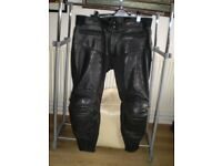 Mens Motorcycle Leather Trousers. UK Size 40.