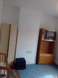 Double room available.£340rent included all bills