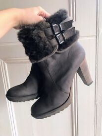 Minelli Paris Brown Heeled Ankle Boots with Fur, size 41/UK 8