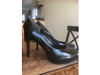 Ladies shoes and boots immaculate size 6