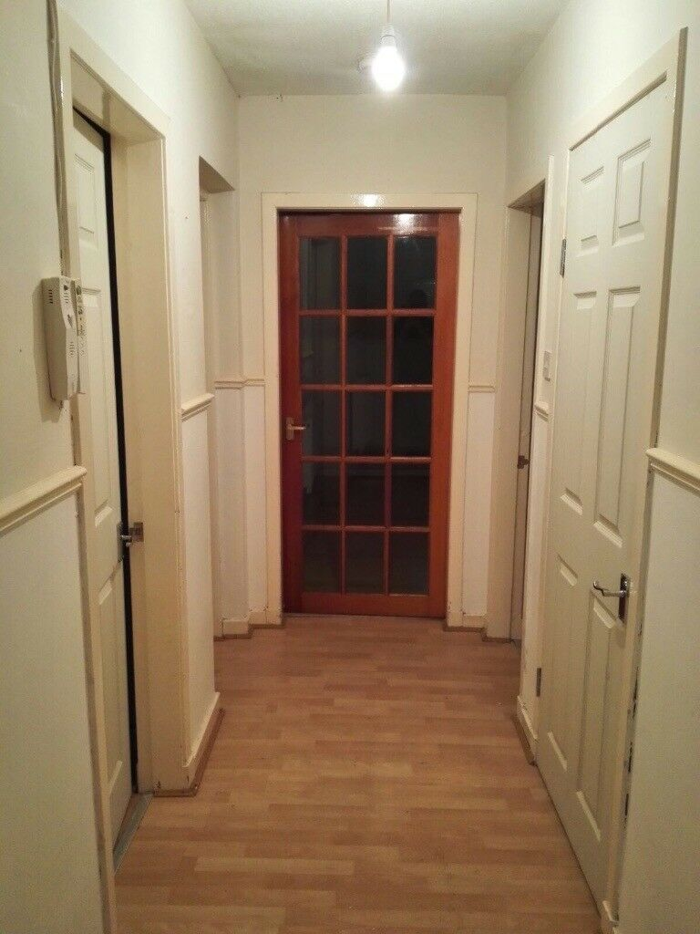 Refurbished 2 bedroom flat for rent - Barrhead