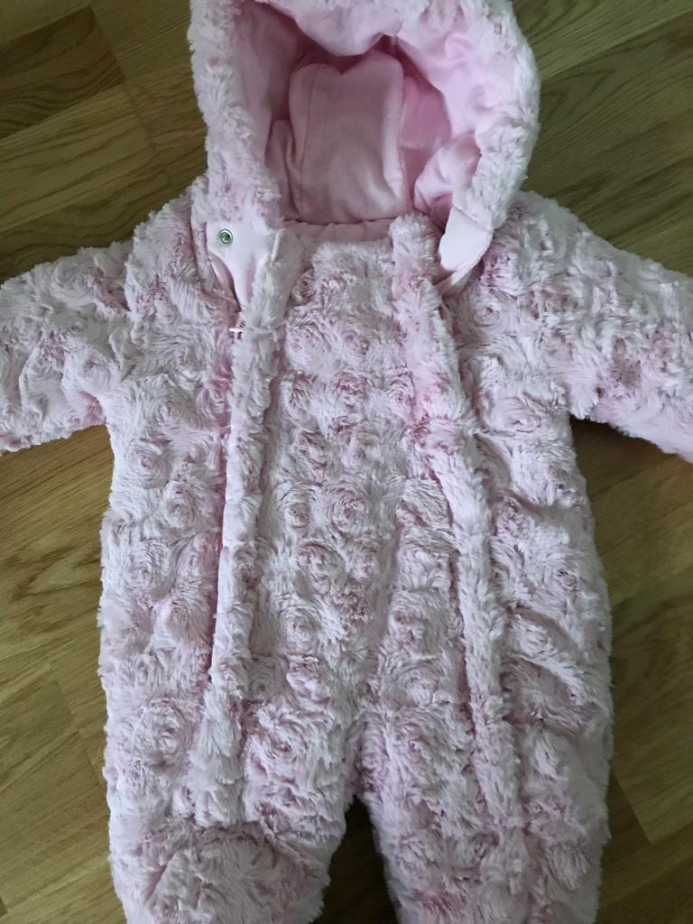 b2839c998 Pink baby girls 0-3 pramsuit snowsuit soft and fluffy
