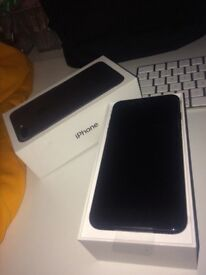 BRAND NEW-iPhone 7 Plus 32g black