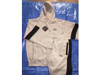 (OSCARS) NEW DESIGNS TRACKSUITS AVAILABLE WHOLESALE