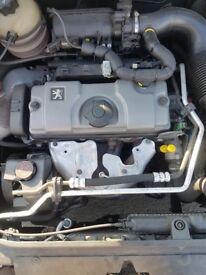 Hi m selling my peougeot 206sw estate petrol 54 plate gud strat no any problem