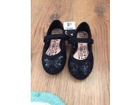 New! Girls black sequin design shoes size 6