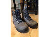 Hi-Tec Men's Walkings Boots Size 8 (Eur 42)