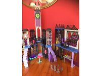 Monster high school deadluxe dolls house fantastic condition