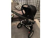 Quinny Buzz travel system with maxi cosi car seat