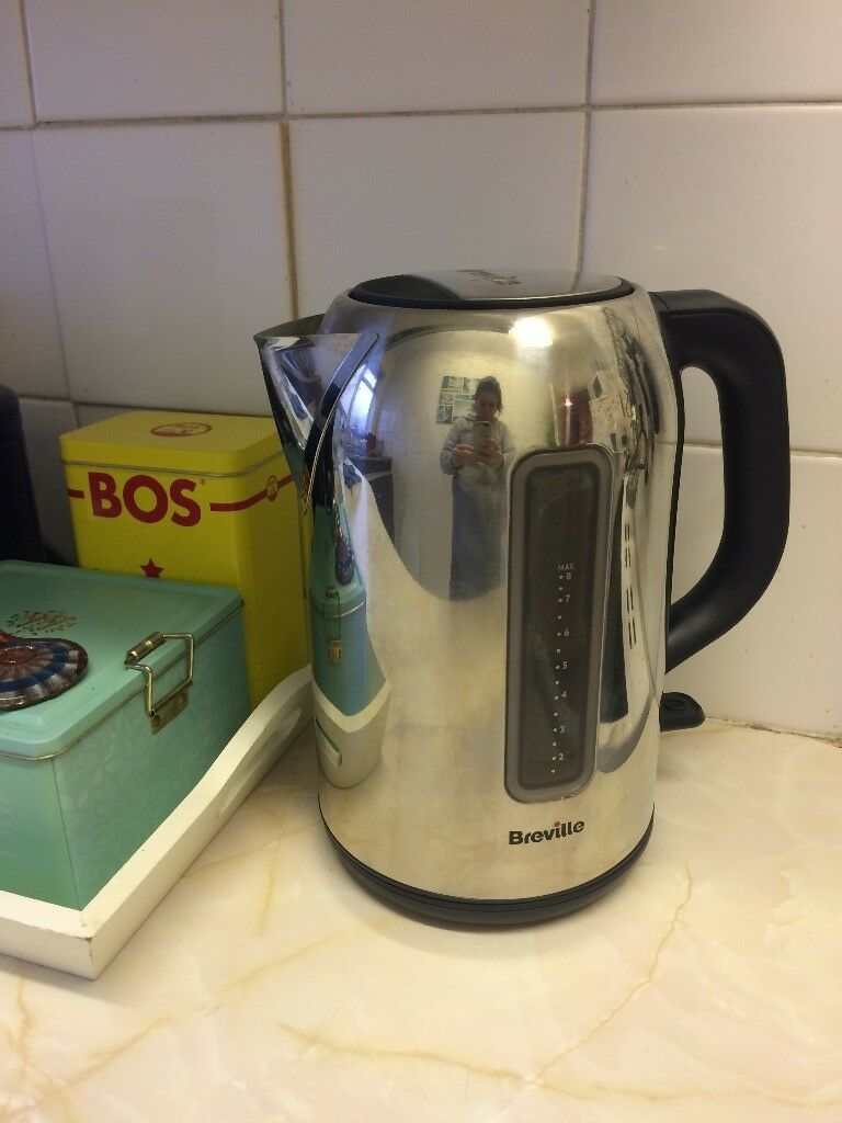 Breville Illuminated Jug Kettle - Stainless Steel, £4. Collection Only Please