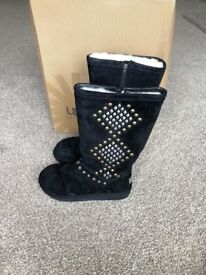 £200 UGG Avondale Black Suede Boots