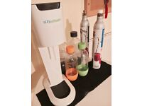 Genesis white sodastream and accessories