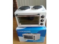Cookworks white mini oven with hob in excellent condition