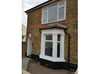 4-bedroom end of terrace house with garden & garage (Dartford) **renovated**