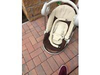 Baby rocking/musical seat