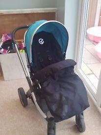 BabyStyle Oyster pushchair with footmuff, rainwear and maxi cosi car seat adaptors