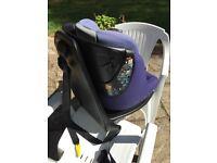 AxissFix Baby swivelling ISOFIX car seat