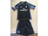 Real Madrid football strip