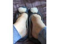 Well worn well used ugg shoes slippers uk 5