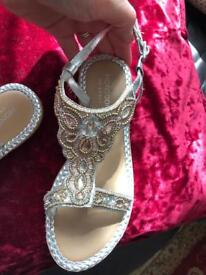 Monsoon kids girls uk 1 beautiful gold sandals as new
