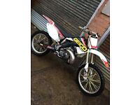 Honda cr250 2 stroke 2005 looking for quick sale!!!