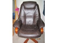 2 fau leather recliner chairs
