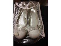 Girls Communion or Flower Girl Ivory Satin Shoes Size 3 NEW
