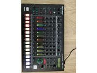 Roland TR8s - Drum Machine / Sampler