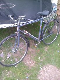BSA METRO RETRO MENS BICYCLE GREAT WORKING CONDITION READY TO GO AND HAVE FUN
