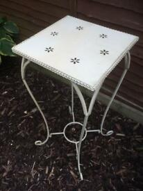 GORGEOUS CREAM SHABBY CHIC PLANT STAND