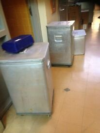 x 3 (2 large + 1 medium) GRUNDY catering bins with lids