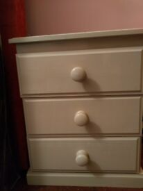 Bedside unit. 3 drawers. Good condition