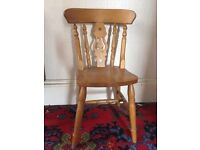 Set of 4 fiddle back pine kitchen chairs.