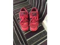 Girls Nike trainers size 2! Loads wear left good condition