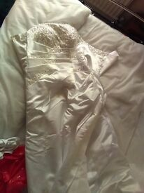 White strapless Wedding Dress with sequins (~ size 12)