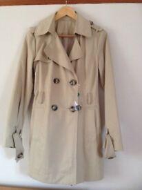 Short trench raincoat bennetton