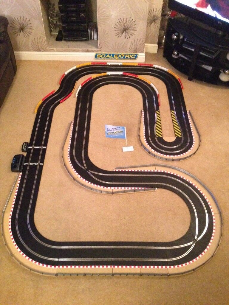 Scalextric Sport Layout with Lap Counter & Hairpin & 2 Cars