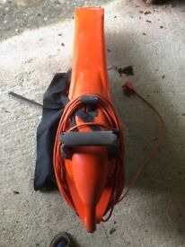 Leaf vacuum and blower by Flymo. fully working