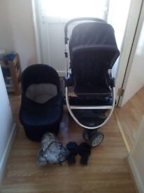 Mamas and papas 2 in 1 travel system