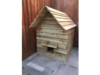 Outdoor cats house