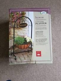 New Smart Garden Saxon Welcome Planter 14inch