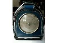 Stirrup with barometer
