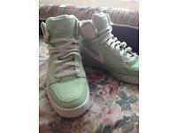 Mint green canvas unisex Nike Blazers size 6.5