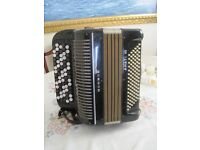 ENIQUE EXTRA SMALL LIGHT WEIGHT HOHNER 5 ROW ACCORDIAN