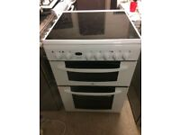 **INDESIT**60cm ELECTRIC COOKER**CERAMIC**WHITE**COLLECT\DELIVERY**VERY GOOD CONDITION**NO OFFERS**