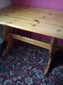 Honey pine trestle table