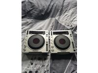 2x Pioneer CDJ 800 Mk2's for sale! In perfect working condition with just a few age related marks