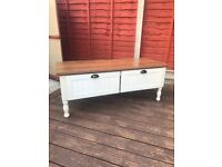 Heart of House Ellingham 2 Drawer Coffee Table - White/Wood.