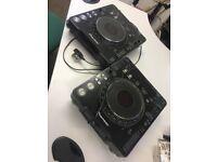 2 x Pioneer CDJ MK2 decks
