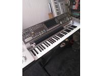 Yamaha DGX 220 Grand Piano with stand